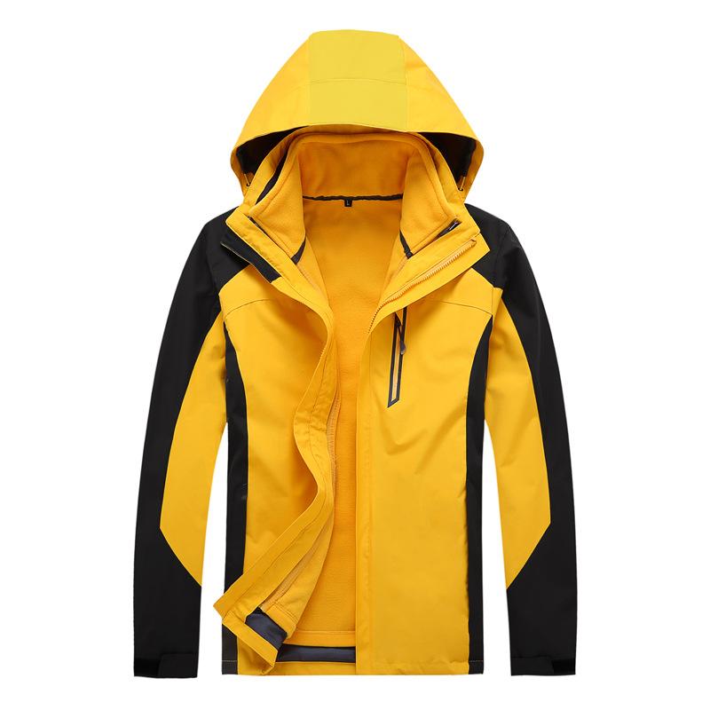 定制棉服中滑雪服和冲锋衣的不同之处