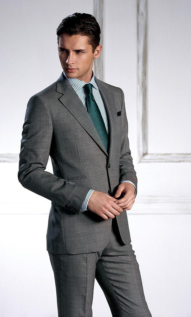订制西装搭配扣子的方法与礼仪小知识